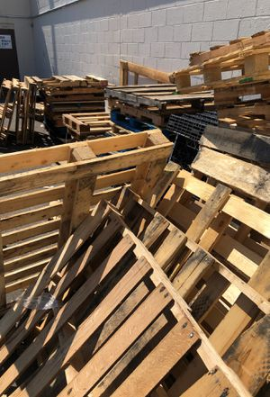 Free!!!! Pallets for Sale in South Windsor, CT
