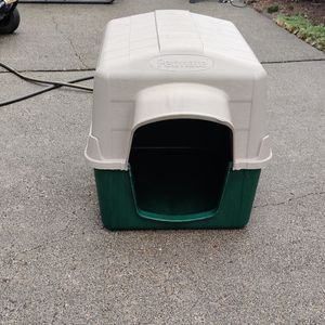 Dog House Petmate for Sale in Port Orchard, WA