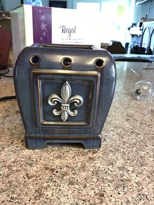 Large size Scentsy warmer, retired. for Sale in Ontario, CA