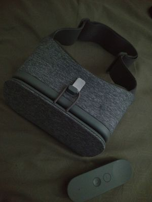Google Daydream VR for Sale in St. Louis, MO