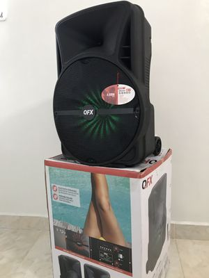 Speaker Bluetooth,radio,1🎤karaoke,recargable para la playa😎,USB,AUX,rueda,luz LD for Sale in Hialeah, FL
