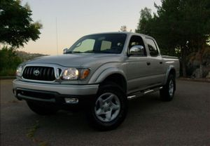 Very clean. Toyota Tacoma 2004 AWDWheels for Sale in Columbus, OH
