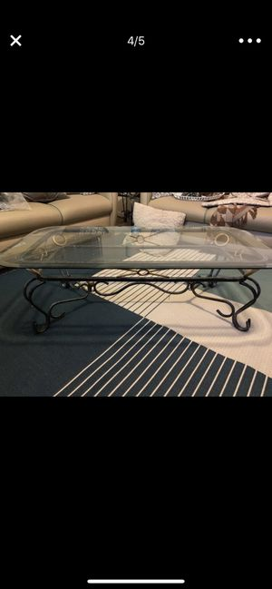 Glass coffee table for 35 for Sale in Houston, TX
