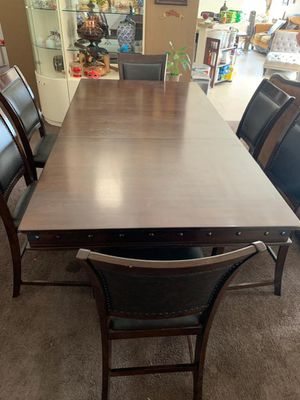 Dinning Table for Sale in Palmdale, CA