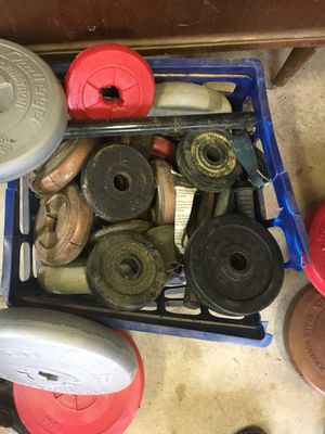 Weights assorted with bar and dumbbells and locks for Sale in White Lake charter Township, MI