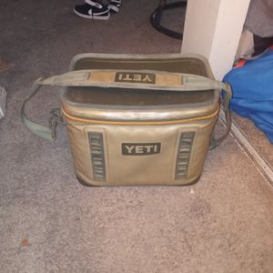 YETI WATERPROOF CANVAS COOLER for Sale in San Antonio, TX