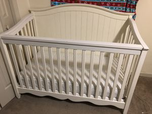 Pottery Barn white crib and diaper changing table for Sale in Nashville, TN