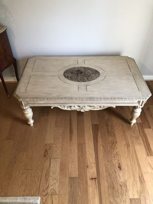 Living room/ coffee table for Sale in Columbia, MD