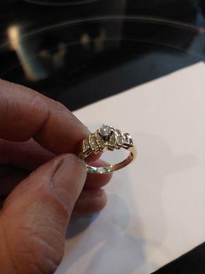 Size 9 14k diamond wedding ring for Sale in Sumner, WA