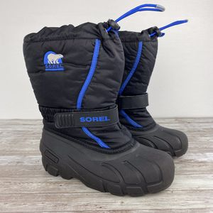 Sorel Flurry snow waterproof boots kids size 2 for Sale in Murrieta, CA