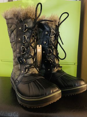 SOREL BOOTS SIZE 5.5 for Sale in HILLTOP MALL, CA