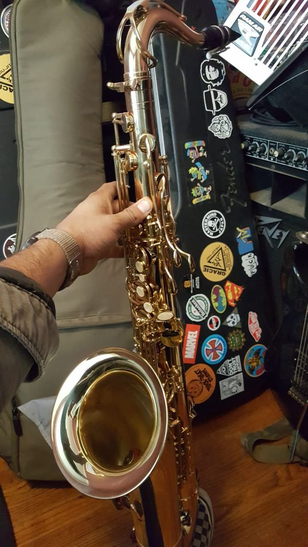 Tenor Saxophone (Must Sell!!)
