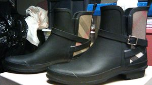 Burberry boots for Sale in Palmdale, CA