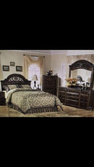 Bedroom queen set for Sale in Union City, CA