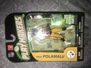 Collectible Troy Polamalu action figure for Sale in Concord, NC