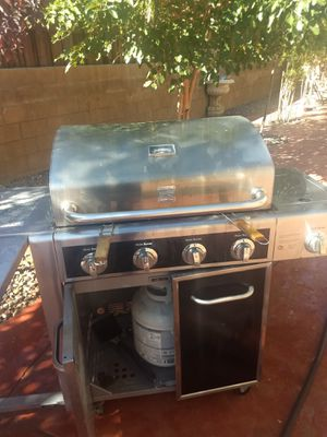 BBQ grill for Sale in Victorville, CA