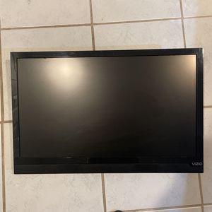 26 Inch VIZIO With TV Mount for Sale in Alexandria, VA