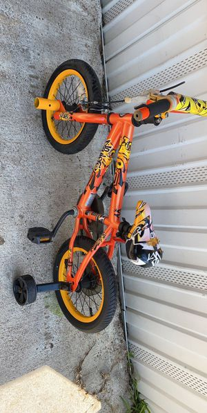 "Kids bike size 16"" ( front tire flat ) for Sale in Houston, TX"
