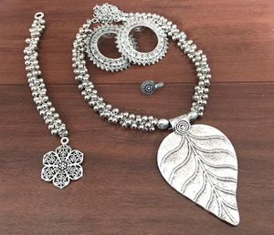 Lightweight combo necklace for Sale in Olney, MD