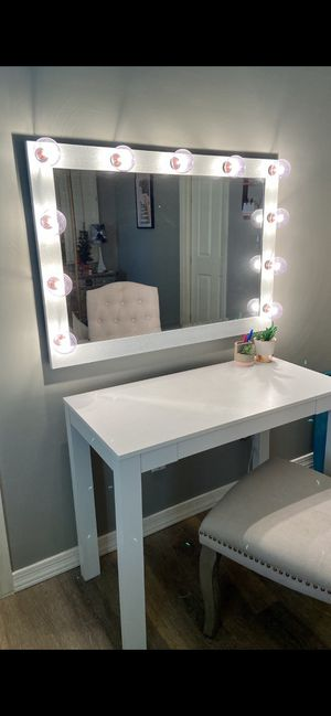 Vanity for sale. Under a year old. for Sale in Tempe, AZ
