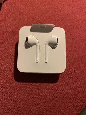 Original apple headphones for Sale in Lincolnwood, IL