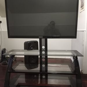 55 Inch Samsung TV With Table for Sale in Mount Ephraim, NJ