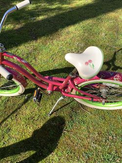 Girls Bicycle By Electra for Sale in Snellville,  GA