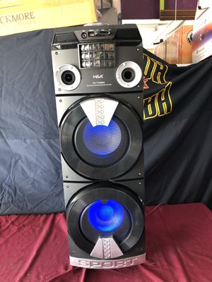 "Dual 8"" loud Bluetooth party speaker for Sale in Phoenix, AZ"