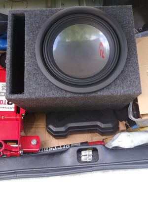 "12"" Alpine Type R Sub 1200 watts max+PLUS Alpine amplifier 1000 watts max. new ported box OF COURSE IT HITS HARD for Sale in Chesapeake, VA"