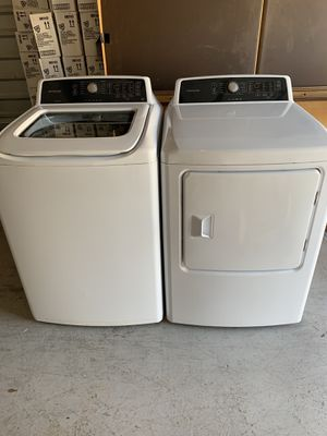 Brand new Frigidaire washer and electric dryer for Sale in Sugar Land, TX