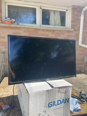 "TCL Roku 42"" tv for Sale in Roselle, IL"