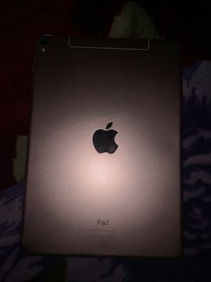 Rose Gold Ipad for Sale in Oakland, CA