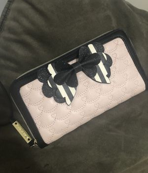 Betsey Johnson wallet for Sale in Long Beach, CA