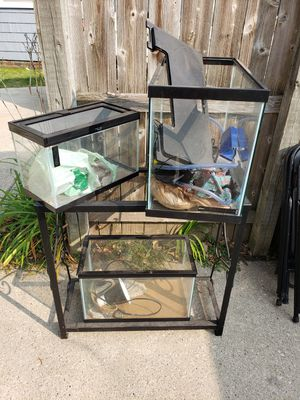 Fish tanks and stand for Sale in Toledo, OH