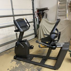 Matrix Stationary Bike R30-03 With WiFi And Screen for Sale in Stuart, FL