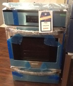 New open box frigidaire gas wall oven FFGW2415QSC for Sale in Hawthorne, CA