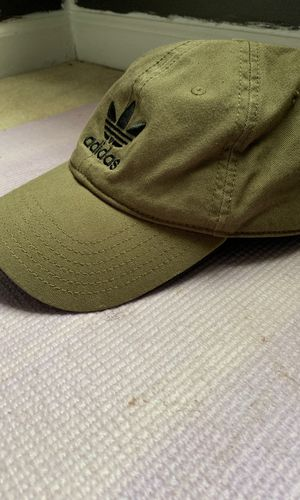 Adidas Olive Green (Men's/ Womens) Hat for Sale in Nashville, TN