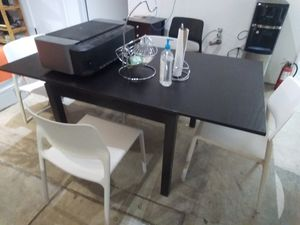 Like New Black Kitchen Table With 4 Black/White Chairs for Sale in San Francisco, CA