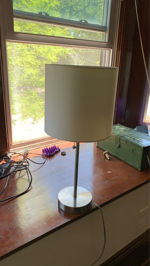 Small lamp for Sale in Cleveland, OH