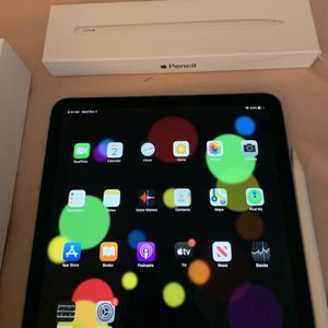 New iPad Air With Apple Pencil 600 for Sale in Louisville, KY
