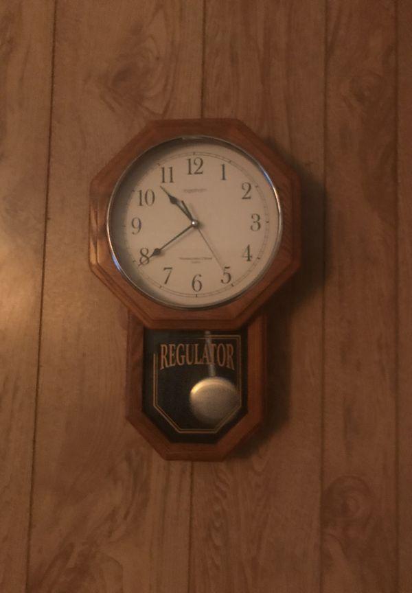 Regulator mini grandfather clock. Vas and local sales only