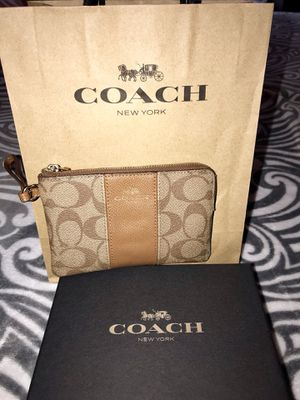 Coach Wristlet for Sale in Plano, IL