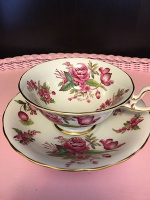 Royal Chelsea 4131A (England) vintage tea cup and saucer for Sale in Cornelius, OR