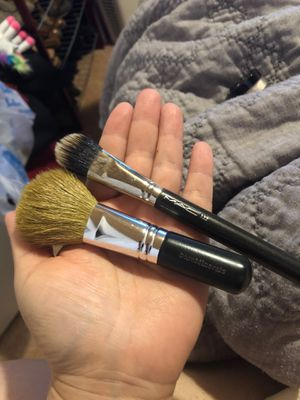 Mac & bare Minerals makeup brushes for Sale in Chula Vista, CA