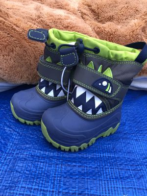 snow boots kids for Sale in Riverside, CA
