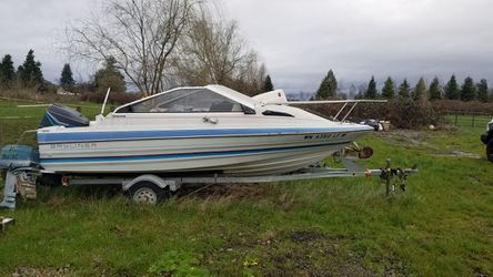 17' Bayliner outboard. for Sale in Gervais,  OR