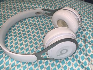 Beats by Dr. Dre EP On-Ear Headphones - White for Sale in Lockport, IL
