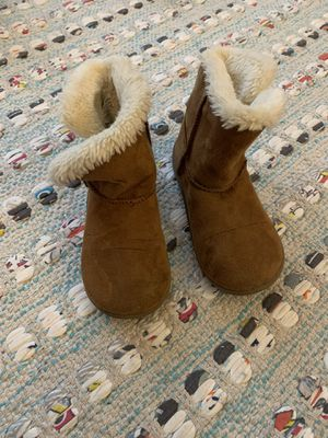 Girls boots - size 8 for Sale in Billerica, MA