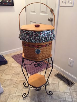 Vintage Very Rare Longaberger Basket w/ Wrought Iron Stand for Sale in Panola, IL