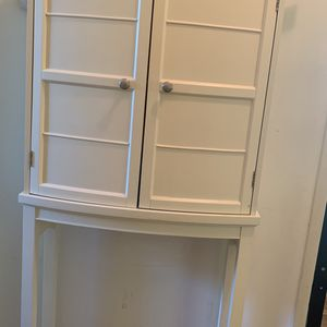 Free Standing Over Toilet Cabinet for Sale in Los Angeles, CA